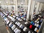 Termina oggi la festività islamica del Ramadan, fedeli in preghiera alla Moschea di Roma